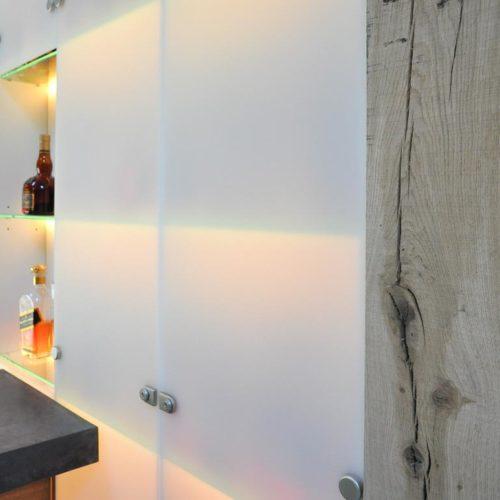Bar voor exclusieve whiskeyverzameling. Ontwerper: Edwin de Kuiper.