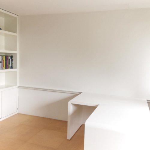 Bureau 'folded', hoek opstelling